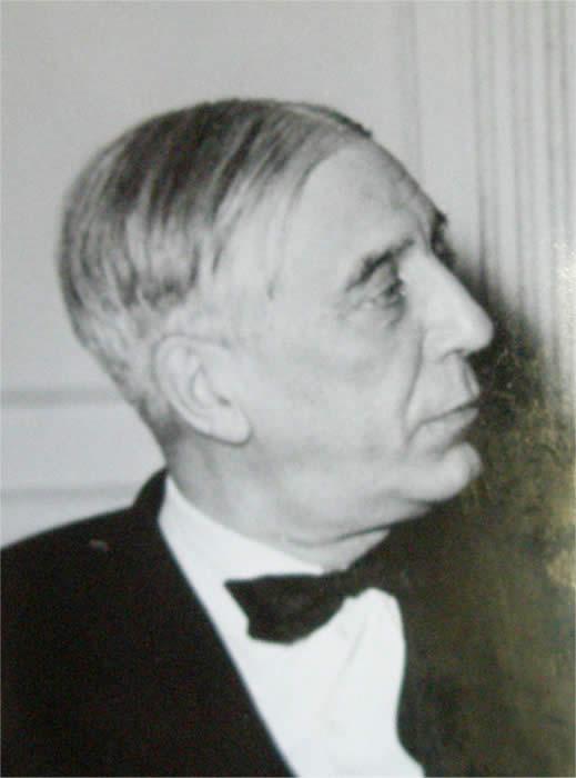 Maurice Garçon déguisé en Paul Valéry